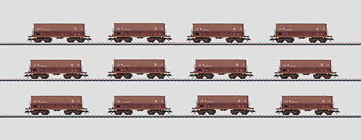 "Display met 12 ertswagens ""Minéraliers""."