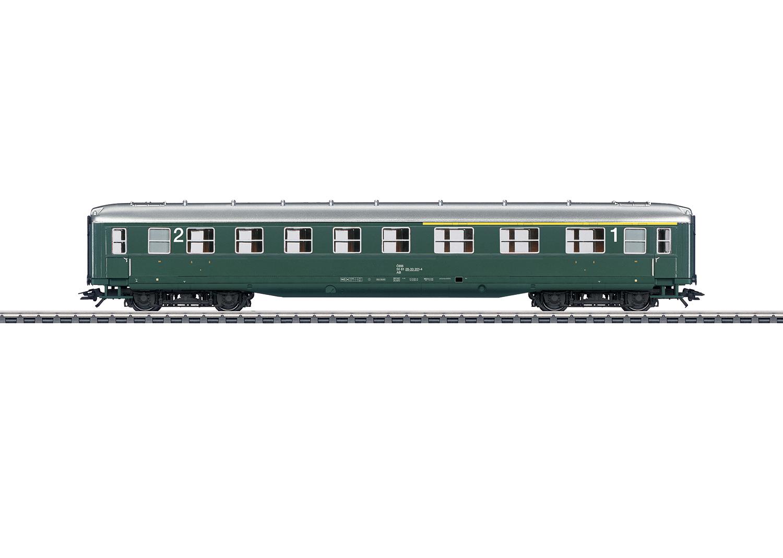 """""""Schürzenwagen"""" / """"Skirted Passenger Car"""", 1st/2nd Class"""