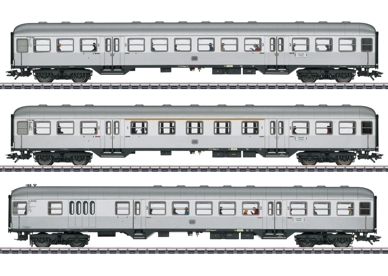 """""""Silberlinge / Silver Coins"""" Passenger Car Set"""