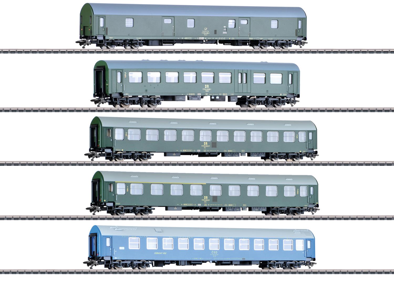 """GDR German State Railroad"" Passenger Car Set"