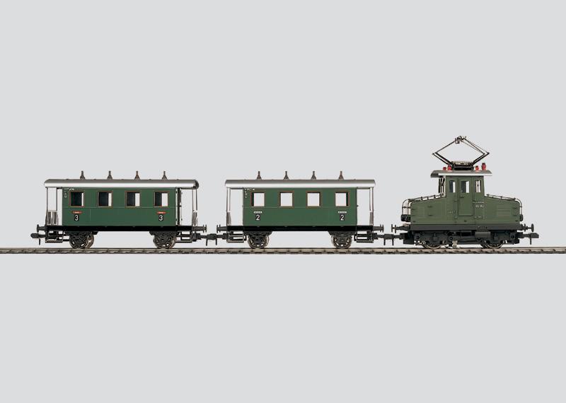 Nebenbahn-Personenzug mit Elektrolokomotive