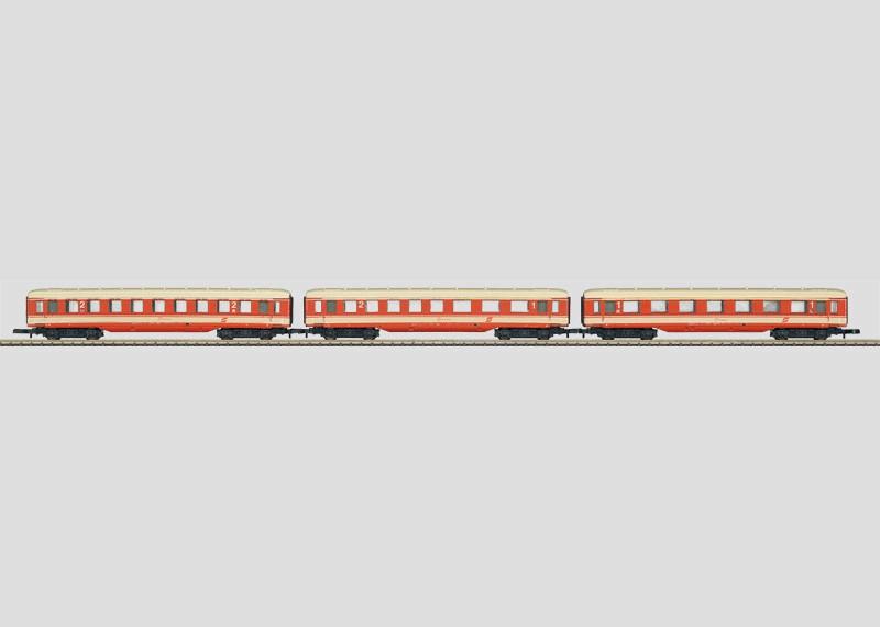 """""""Schürzenwagen"""" / """"Skirted Passenger Car"""" Set."""