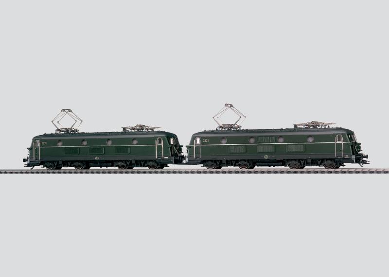 Elektrische locomotieven in dubbeltractie.