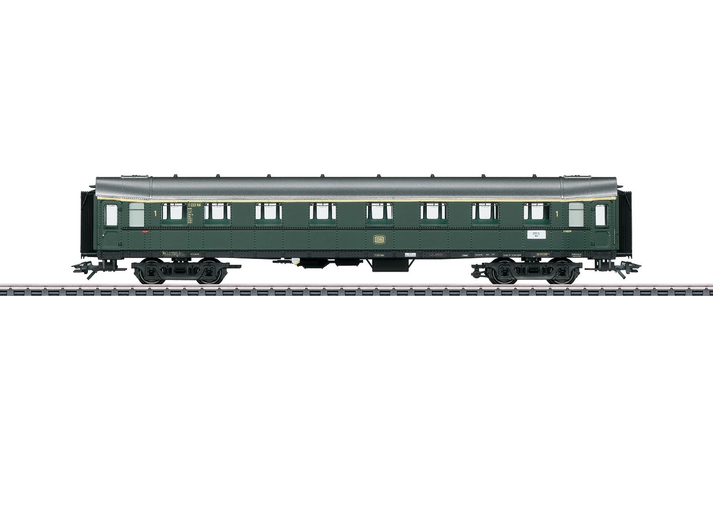 """""""Hecht"""" / """"Pike"""" Express Train Passenger Car, 1st Class"""