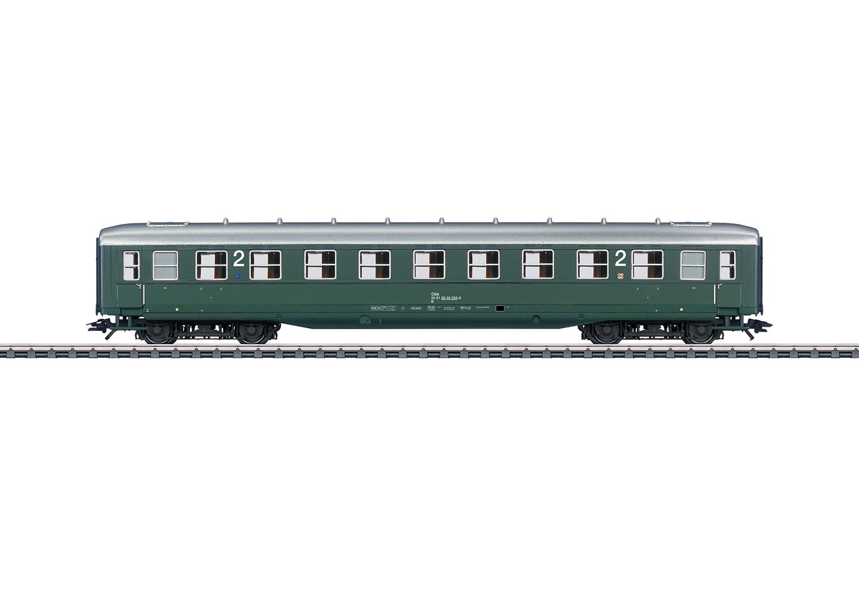 """""""Schürzenwagen"""" / """"Skirted Passenger Car"""", 2nd Class"""