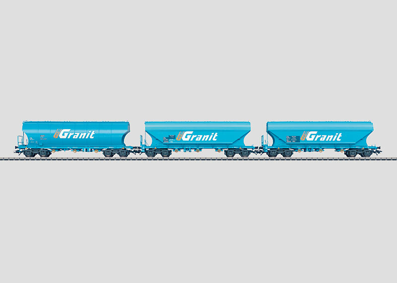 Set with 3 Hopper Cars.