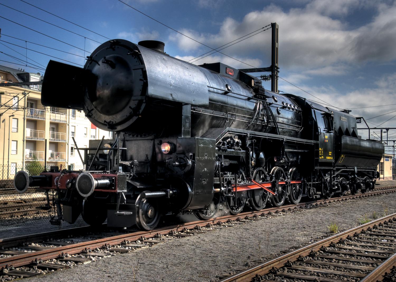 Schwere Güterzug-Dampflokomotive Reihe 5519, mit Wannentender