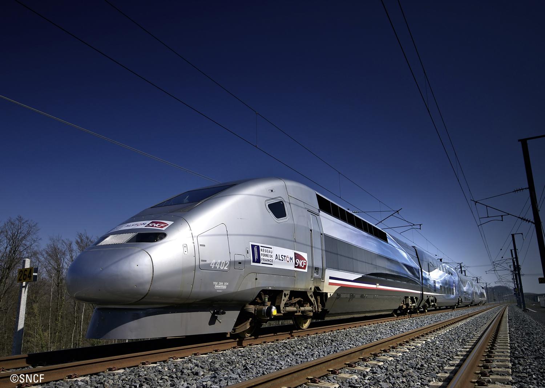 Hochgeschwindigkeitszug TGV Duplex V 150