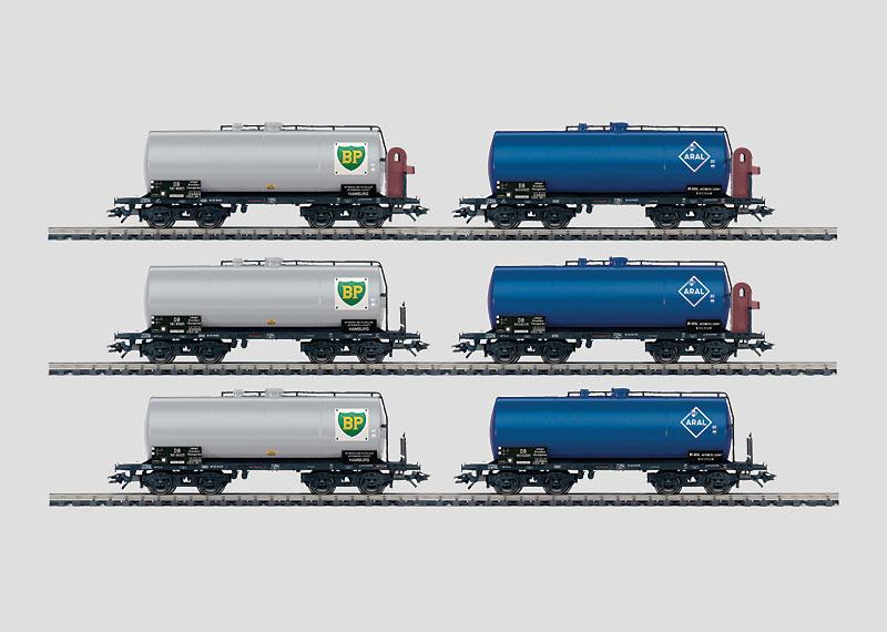 Set with 6 Tank Cars.