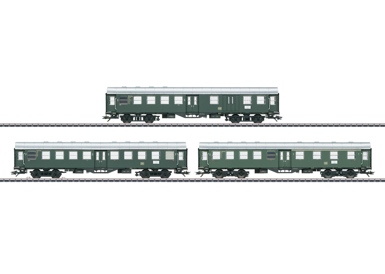 """Drei Reisezugwagen (""""Umbauwagen"""")"""