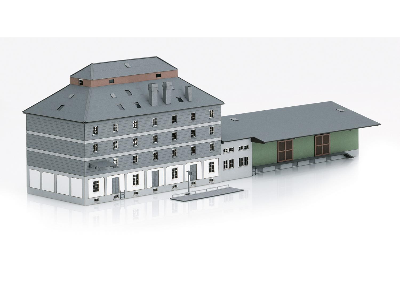 "Building Kit of the ""Raiffeisen Warehouse with Market"""