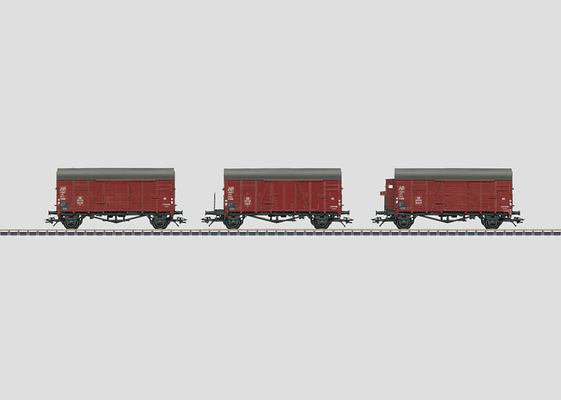 """Display with 20 """"Oppeln"""" Freight Cars."""