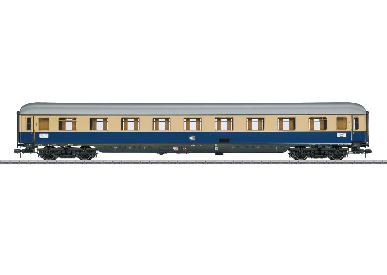 """Type Av4üm-62 """"Rheingold 1962"""" Compartment Car"""