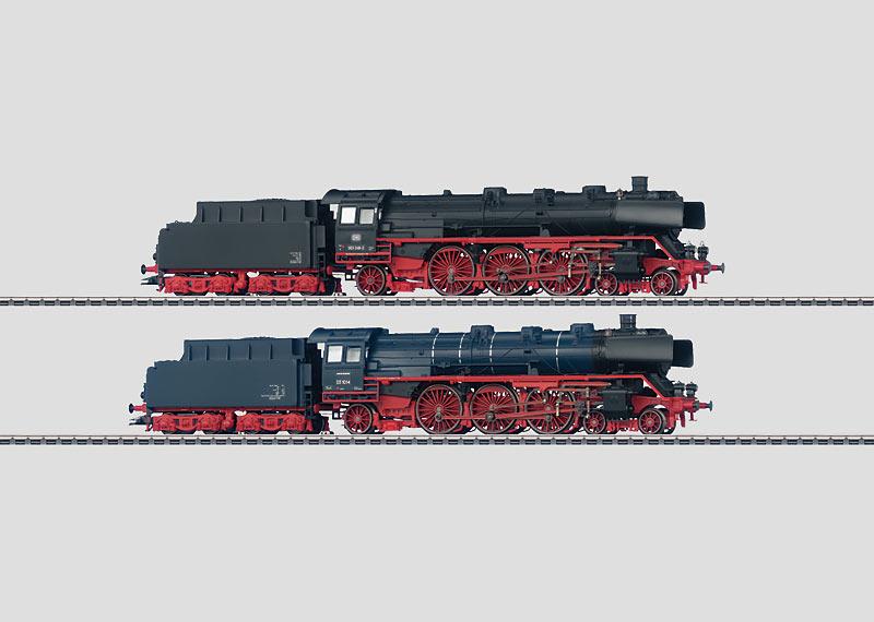 Set mit 2 Schlepptender-Dampflokomotiven.
