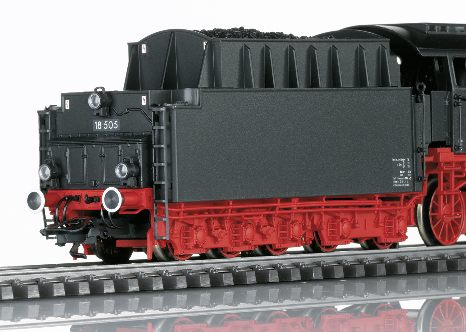 Express Train Steam Locomotive, Road Number 18 505 | Märklin