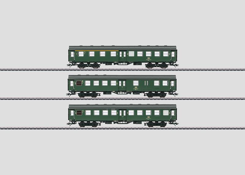 """Display with 16 """"Umbauwagen / Rebuild Cars""""."""