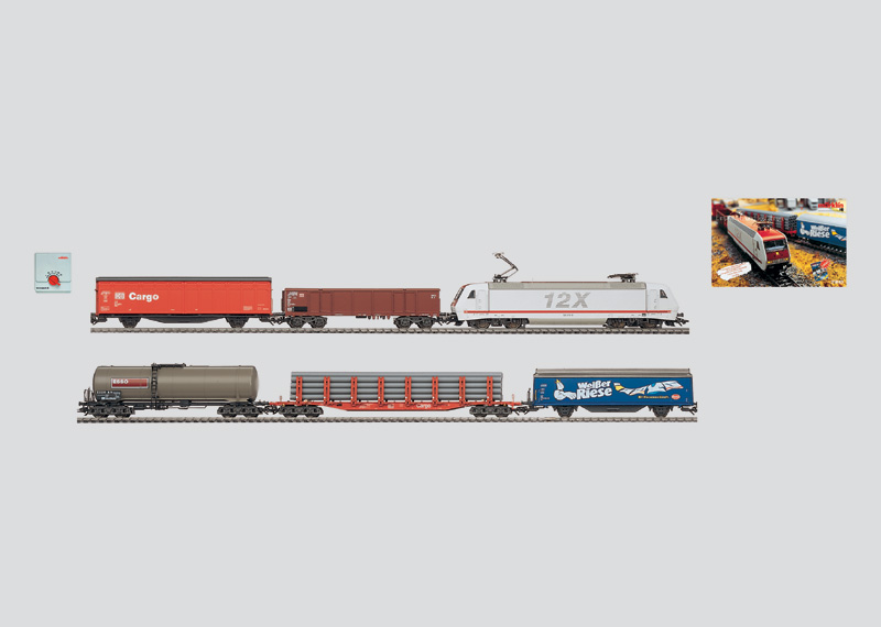Güterzugpackung mit großer Kunststoff-Gleis-Anlage, Transformator und DELTA-Control