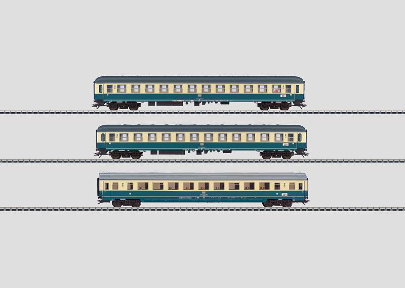 IC-Schnellzugwagen-Set.